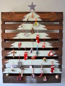 Bettina-Holst-Blog-juletræ-af-paller