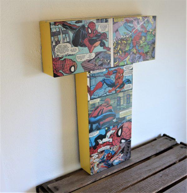 facadebogstav med tegneserie
