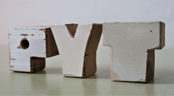 PYT træbogstaver